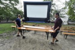 Provizorní letní kino v Novém Jičíně