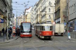Tramvaje na zastávce Strossmayerovo náměstí