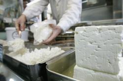 Zvlášť obtížný souboj mezi Evropany a Australany se očekává o značku sýra Feta.