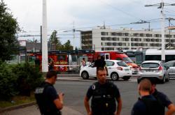 Francouzská policie na místě útoku