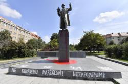 Socha Ivana Koněva popsaná na konci srpna 2019