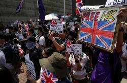 Demonstranti v Hongkongu