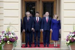 Prezidenti zemí V4 na jednání v Lánech