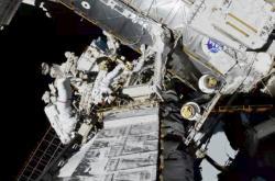Vně ISS poprvé pracoval čistě ženský tým