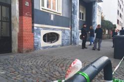 Úterní policejní zásah u střelby v bytě v Palacké ulici