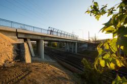 Zrekonstruovaný most přes železnici v Otrokovicích