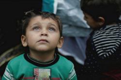 Syrské děti v řeckých uprchlických táborech