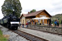 Železniční zastávka Zubrnice-Týniště