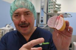 Jedním z urologů, kteří byli u zrodu metody, je i Dalibor Pacík