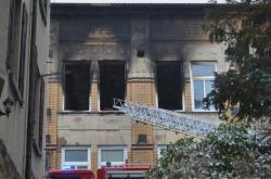 Budova ve Vejprtech po požáru