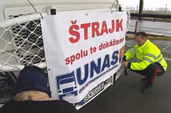 Slovenští dopravci protestují na hraničních přechodech
