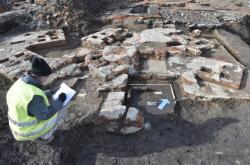 Archeologové zkoumají pozůstatky chemické továrny