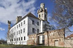 Břeclavská radnice začala s opravou zámku