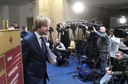 Ministr zdravotnictví Adam Vojtěch před novináři