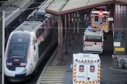 Pacienty s těžkým průběhem nemoci COVID-19 odvezl ze Štrasburku vlak TGV