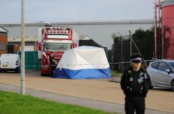 Mrtvá těla byla nalezena v kontejneru, převáženém kamionem