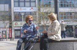 Seniorky na náměstí T.G.Masaryka v centru Ostravy.