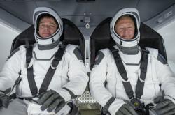 Astronauti Robert Behnken a Douglas Hurley