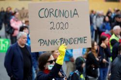 Protest proti vládním opatřením proti koronaviru ve Vídni