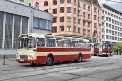 Součástí přehlídky byl i historický autobus MHD.