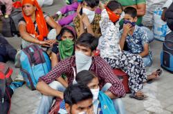 Na Indii se žene mohutný cyklon