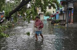 Škody po supercyklonu v indické Kalkatě