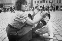 Výbuch bomby na Staroměstském náměstí v Praze 2. 6. 1990