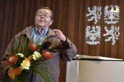 Jiří Hanák při převzetí Ceny Ferdinanda Peroutky v Havlíčkově Brodě
