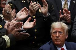 Trump podepsal nařízení požadující vyšší standardy policejní práce