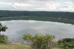 Jezero Lonar před změnou barvy