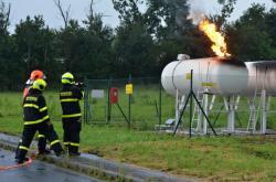 Požár nádrží na LPG v Českém těšíně