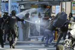 Střet policistů s demonstranty v Seattlu
