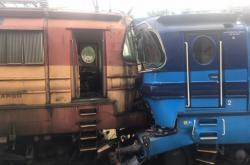Srážka nákladního vlaku s lokomotivou