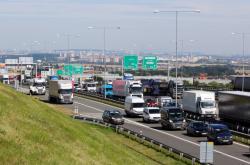 Doprava na D1 u Říčan u Prahy
