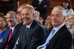 Blair a Major na akci odpůrců brexitu v roce 2016