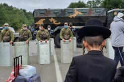 Židovští poutníci, příznivci rabína Nachmana, uvízlí na bělorusko-ukrajinské hranici