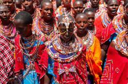 Masajové se účastní obřadu Olng´Esherr v pohoří Maparsha na hranicích Keni a Tanzánie