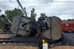 Fotografie vykolejeného vlaku nedaleko Teplic