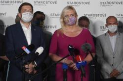 Předseda STAN Vít Rakušan a jednička středočeské kandidátky Petra Pecková