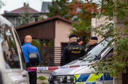 Policie na místě střelby v Dolní Lutyni