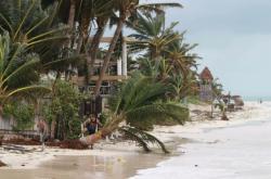 Následky hurikánu Delta na mexickém pobřeží