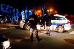 Francouzská policie zajišťuje místo útoku