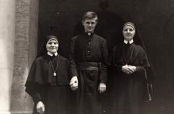 Josef Šupa se sestrami v Římě (1966)