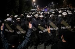 Poláci protestovali proti dalšímu omezení potratů