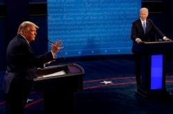 Donald Trump a Joe Biden na poslední předvolební debatě in Nashvillu