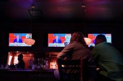 Američané sledují sčítání voleb