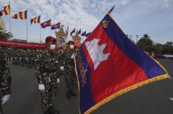 Den nezávislosti Kambodže se zúčastnil současný král