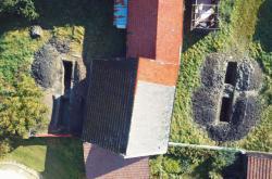 Letecký záběr na archeologické sondy