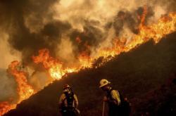 Vlny vedra byly i příčinou rekordních požárů v Kalifornii