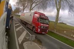 Český kamion v protisměru